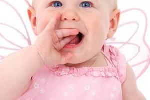 婴儿睡觉眼睛突然睁开的原因婴儿睡觉眼睛突然睁开怎么办