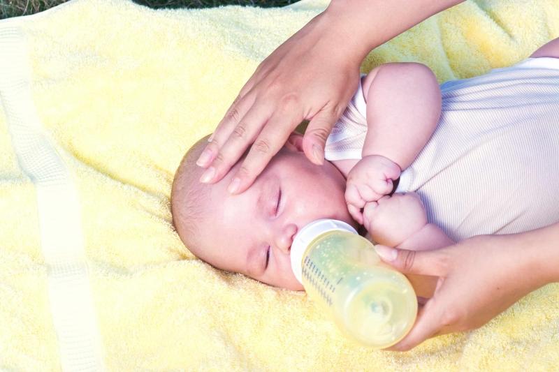 4个月的宝宝手心出汗的原因是什么