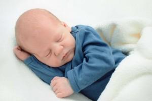 新生儿软包怎么处理新生儿头上有软包怎么回事