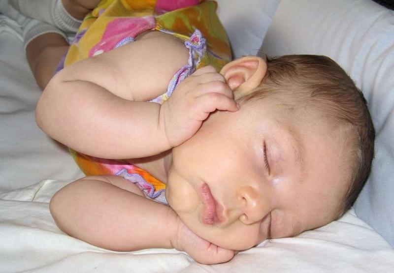 一岁多宝宝可以喝纯牛奶吗一岁多宝宝饮食有什么注意事项