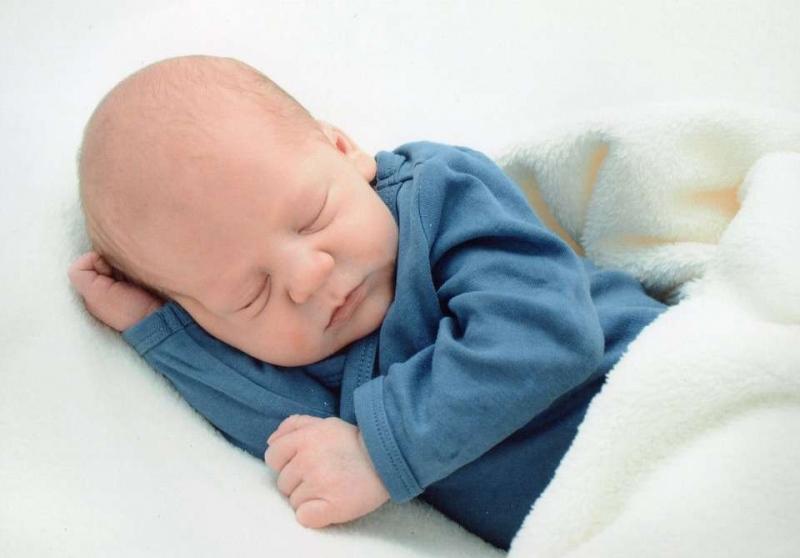 新生儿呛咳的原因是什么新生儿呛咳了那该怎么解决